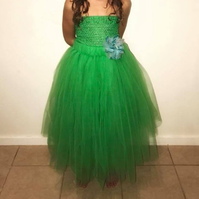 Crafting children's tulle dresses