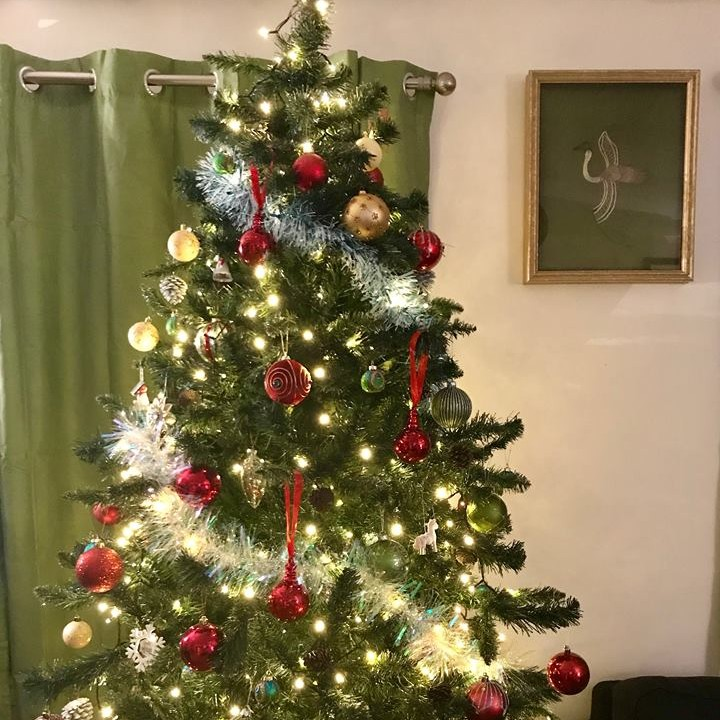 christmas tree with gold and red bauble baubles