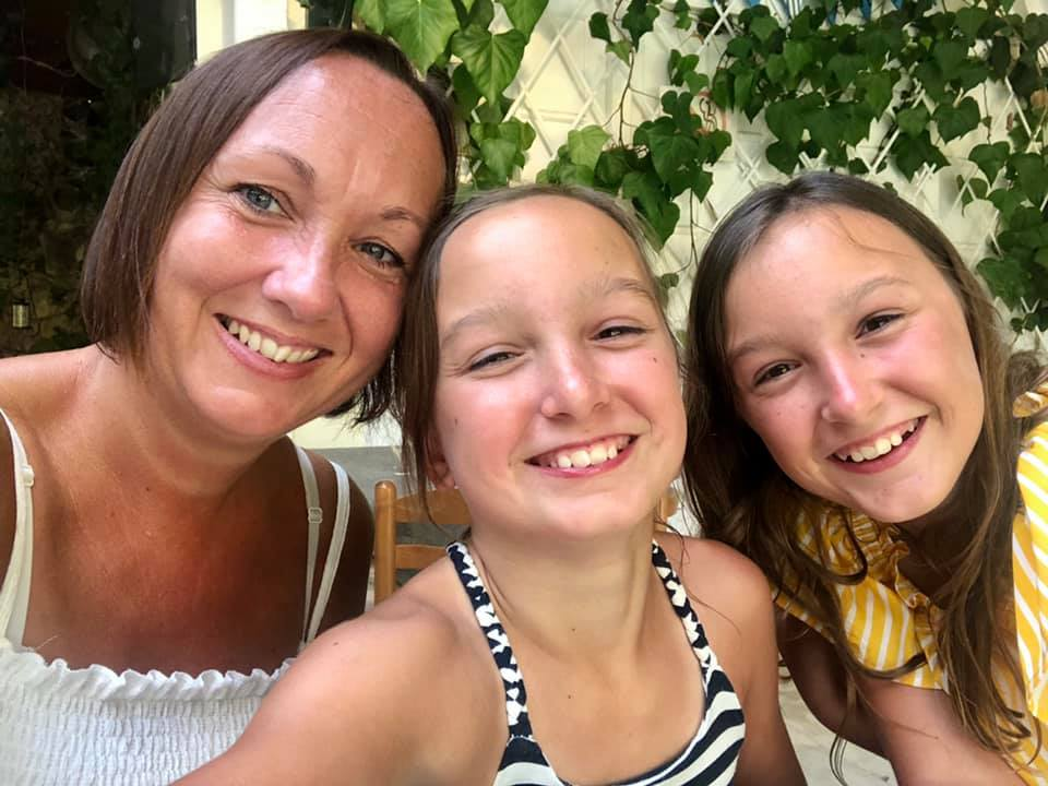 Mum and twins selfie on holiday